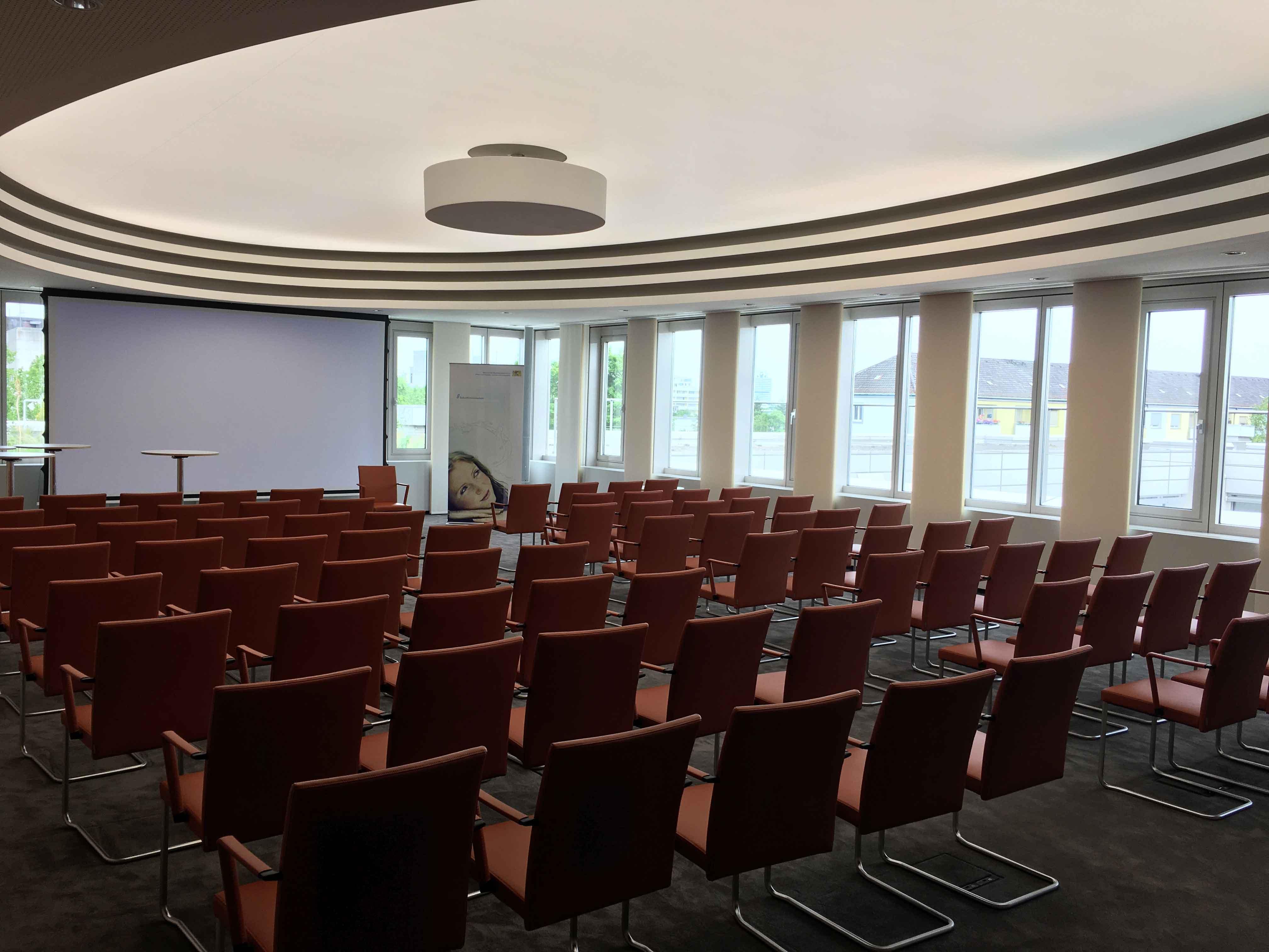 Inbetriebnahme großer Sitzungssaal Bayerisches Staatsministerium für Arbeit und Soziales, Familie und Integration (StMAS)